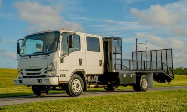 isuzu npr dovetail landscape truck