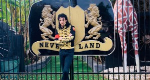 Australian Fan Creates His Own Neverland