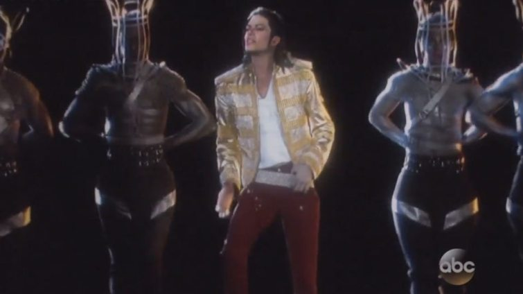 michael-jackson-hologram-performance-billboard-1