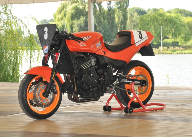 STC - Gallery - Ex Sandra Barnet Bike 1995 Speed Triple Challenge 1
