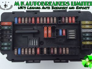 bmw f30 from 12-15 under bonnet sam power fuse box (breaking for spare parts )