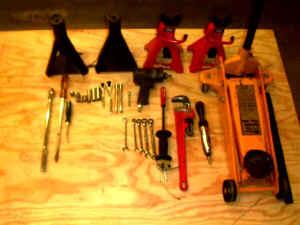 Tools.jpg (28228 bytes)