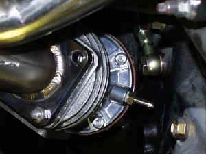 Rear_oil_line_wastegate.jpg (49243 bytes)