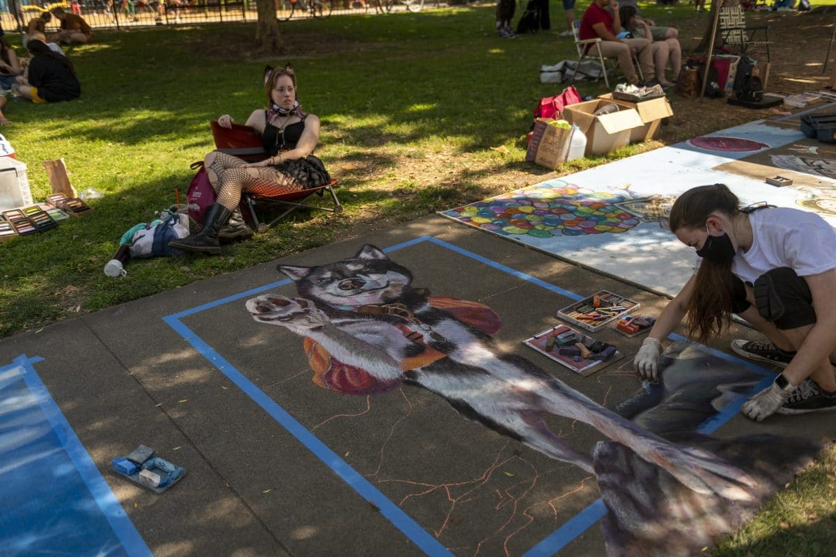 The chalk it up sacramento art festival: an artist's perspective 7 apart from drawing hop-scotch squares as a child, i had zero experience creating chalk art before participating in this year's chalk it up festival in sacramento.