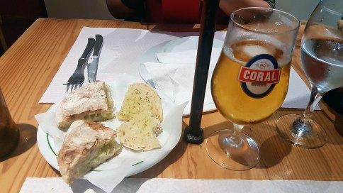 Bolo de caco et bière Coral, les 2 poumons de Madère