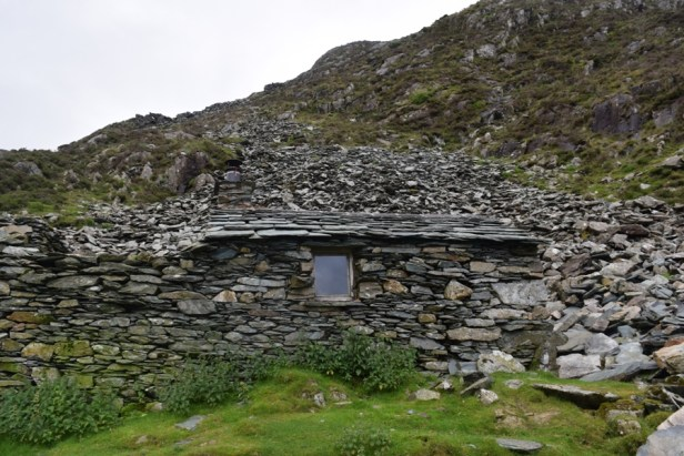 Warnscale Head Bothy location and camouflage