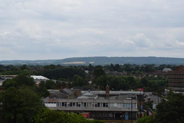 Nikkor 55-300mm Chiltern Hills seen from Aylesbury Telephone Exchange, 55mm