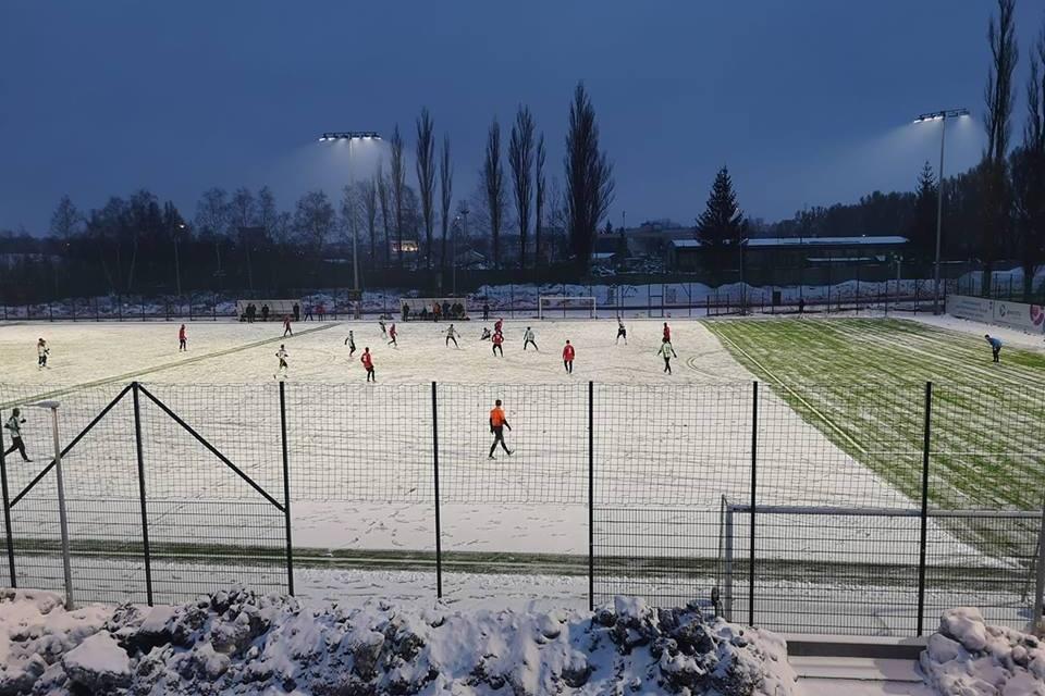 W zimowej aurze prawdziwie hokejowy wynik