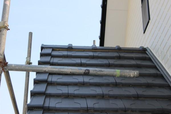 瓦屋根のクギを締めた後