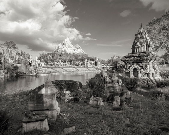 MLCreations Photography: WDW in B&W &emdash; Everest Enshrined