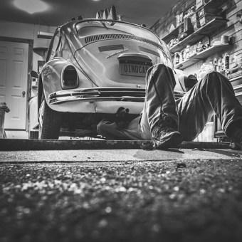 Auto serwis, mechanik, czy samodzielna naprawa?