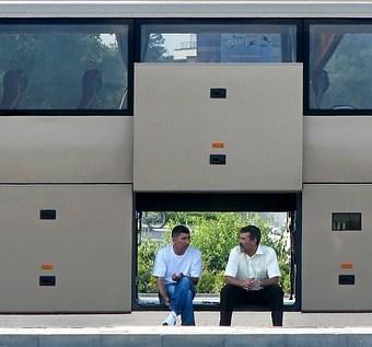Wynajem busów turystycznych i sprawdzona wypożyczalnia