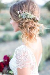 Coiffures fleuries pour mariée