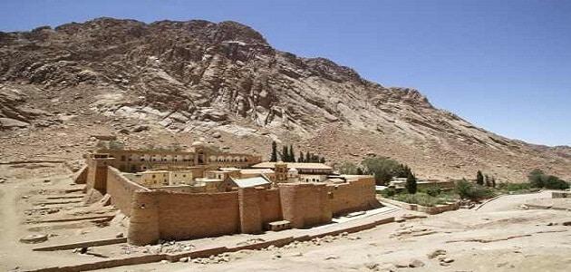 أين يقع أعلى جبل في العالم العربي ملزمتي