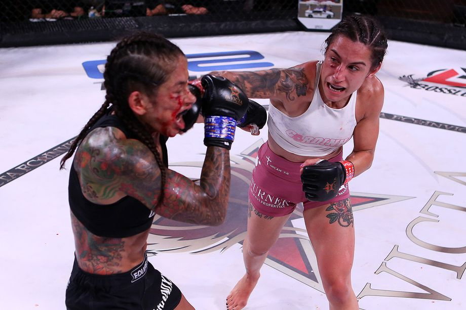 Invicta FC 40: Emily Ducote grounds Julianna Lima