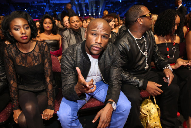 Floyd Mayweather teases a billion dollar comeback in the UFC -