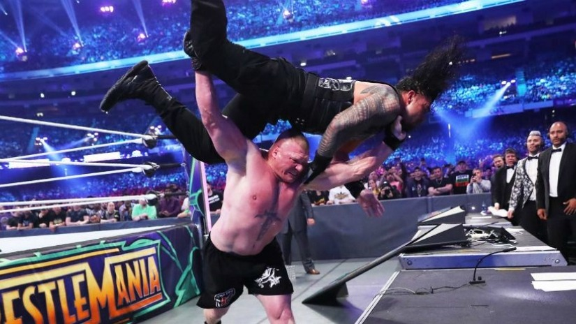 WWE: Brock Lesnar Re-signs with WWE - Lesnar