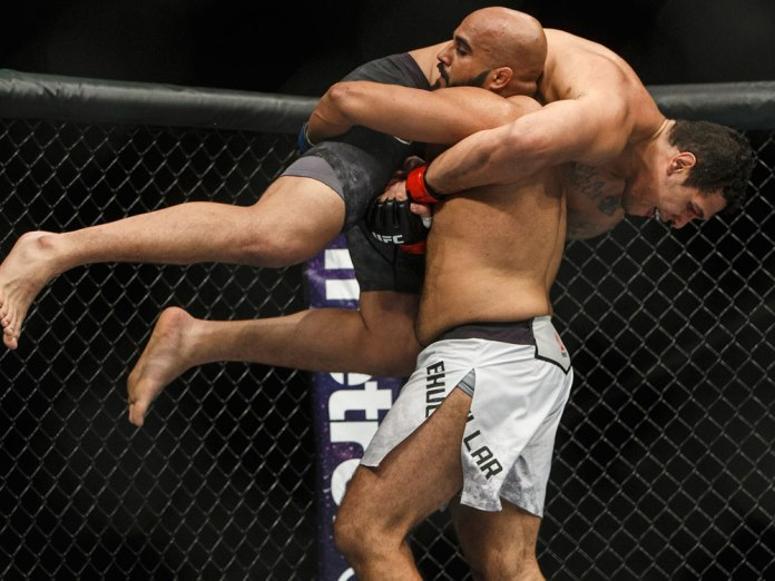 UFC: Arjan Bhullar reflects back at 'phenomenal' 2017, his thoughts on entering the octagon wearing a turban and much more. - Arjan Bhullar