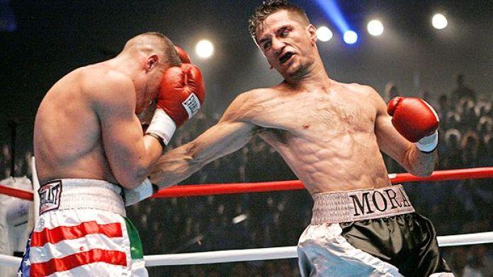 Boxing: Sergio Mora beats Angulo via Split decision - Mora