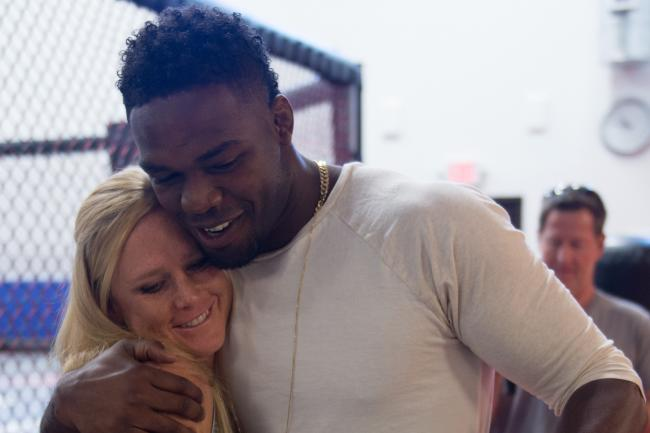 [VIDEO] Jon Jones goes running with Holly Holmes -