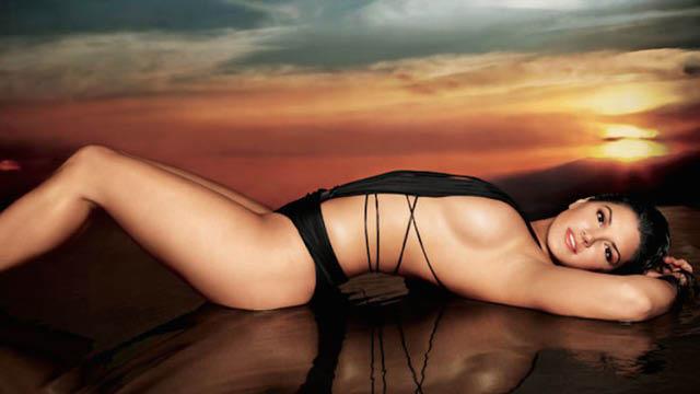 Beautiful Gina Carano Pics -