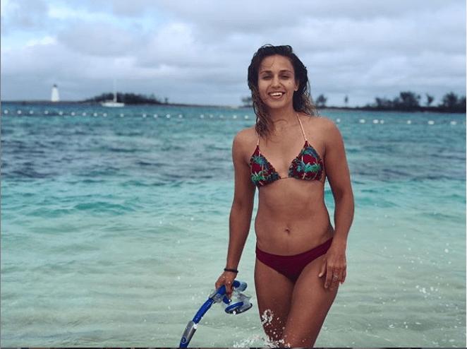 Antonina Shevchenko Sizzling Beach Pictures -
