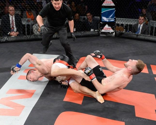 Vinicius De Jesus stops Chris Lozano to Retain CES MMA welterweight title -
