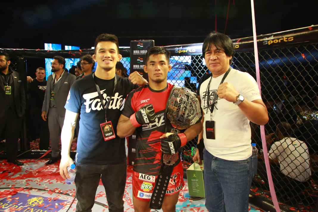 Stephen Loman passes his toughest test and remains the world champion at BRAVE CF 30 - BRAVECF 30