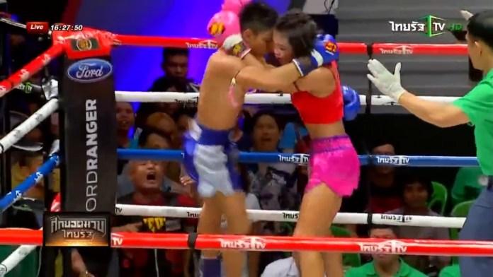VIDEO. Luptă brutală de Muay Thai între un bărbat și o femeie