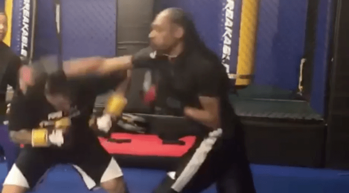 Snoop Dogg la primul său sparring în MMA (VIDEO)