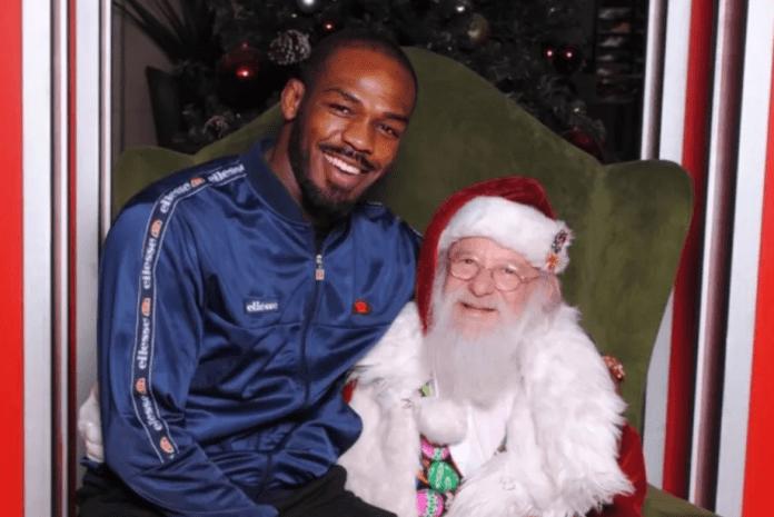 FOTO + VIDEO Ce postează luptătorii de Crăciun.