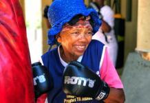 Faceți cunoștință cu bunicuțele de 80 ani care boxează și fac sport! (VIDEO)