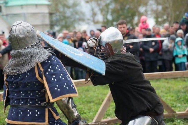 Knight fighting