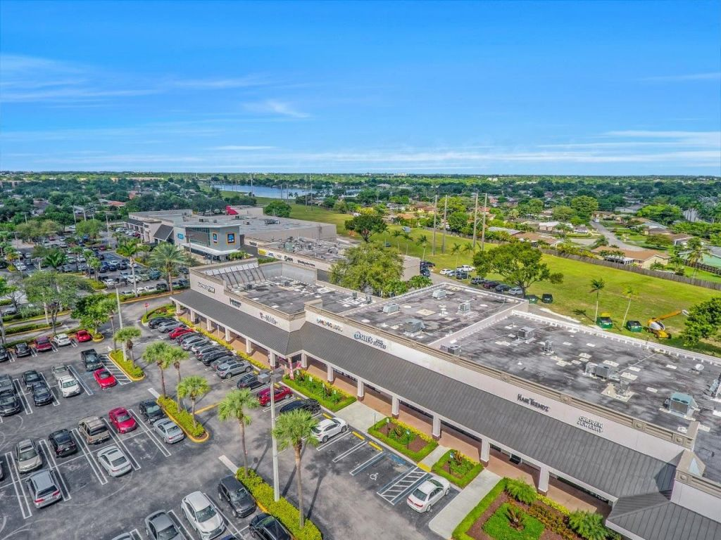Kendall Corners - Florida Retail Shopping Center - MMG Equity Partners