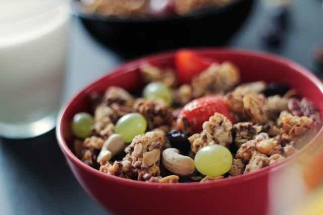 breakfast cereals food fruits