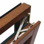cerniera regolabile di estremità superiore, con possibilità di regolazione ad anta non smontata, con dotazione di serie di meccanismo per anta/ribalta