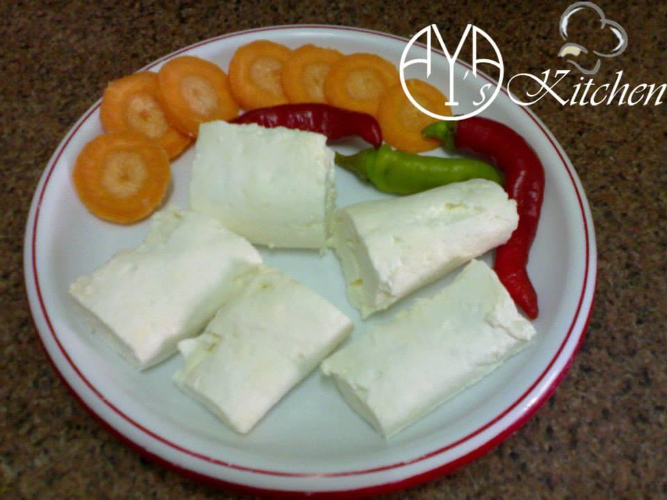 طريقة عمل الجبنة القريش باللبن القاطع بالصور بيتى مملكتى