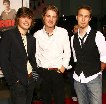 c6e8668d9e5 Hanson  A Look at the Band You Thought You Knew – Mmmboptastic.com