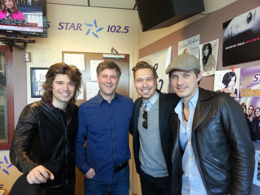 Listen: Hanson in Studio with Rob Lucas in the Morning Star 102.5