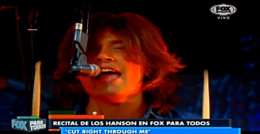 FOX_argentina_cut_right_thru_me_perform_17-07-13