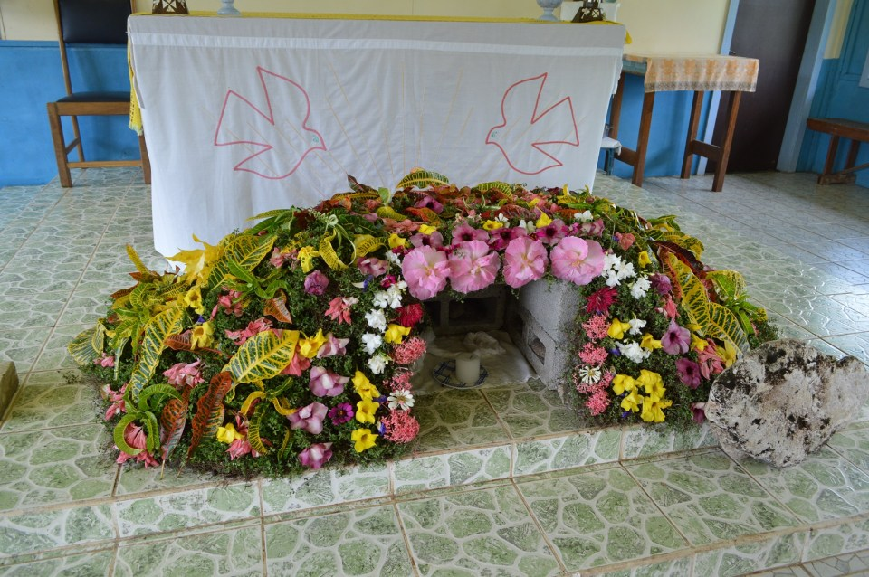 Easter Garden and Tomb, TNK