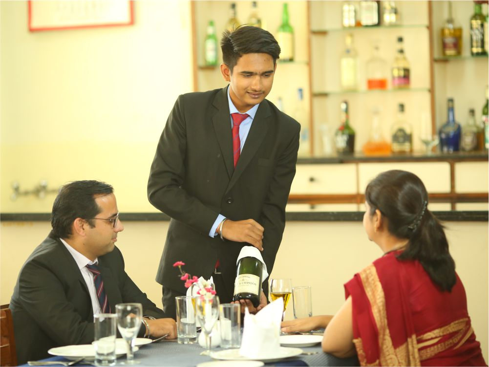 Training Restaurant - 1