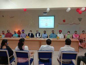 Dr.Gurmeet Singh, Vice Principal of GSSDGS Khalsa College delivered a motivational talk