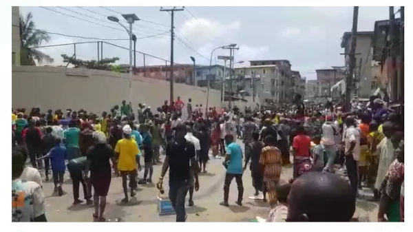Oba Of Lagos Palace attacked