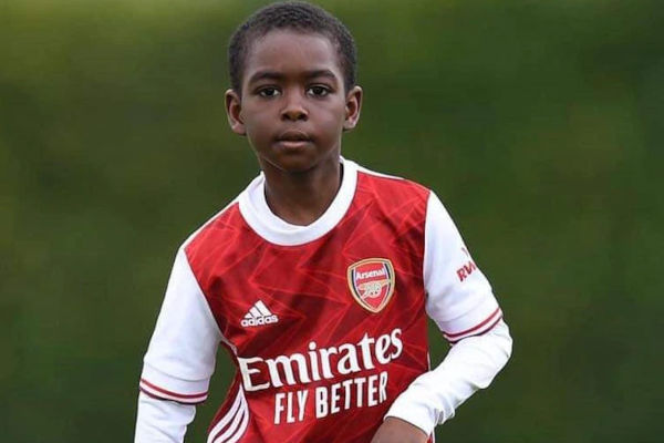 Munir Sada signs for Arsenal