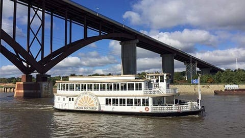 riverboat on the Mighty Mississippi River