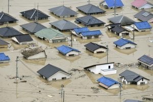 Japan floods: heat wave heightens despair