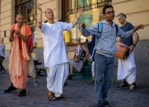 Sign Language Hare Krishna Impacting Deaf Christians and Deaf Unbelievers