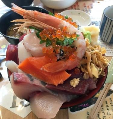 【ブログ】三陸グルメレポ  ~女川の名店『おかせい』の女川丼~