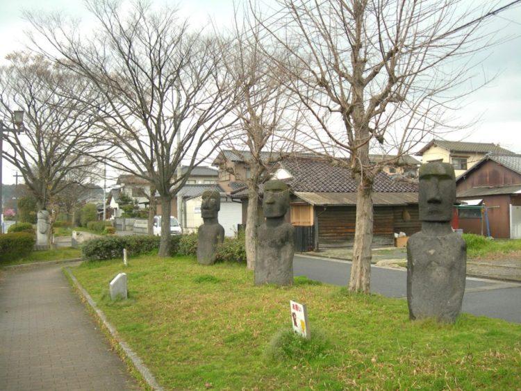 モアイ 福岡